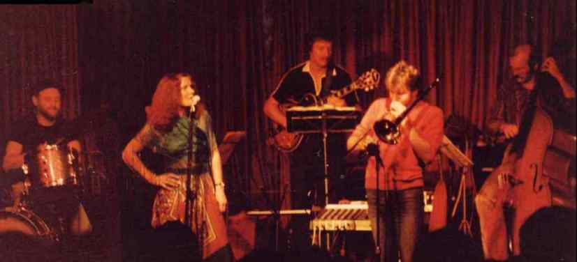 Marg with Roger Fox Quartet, Cricketers, early 80s